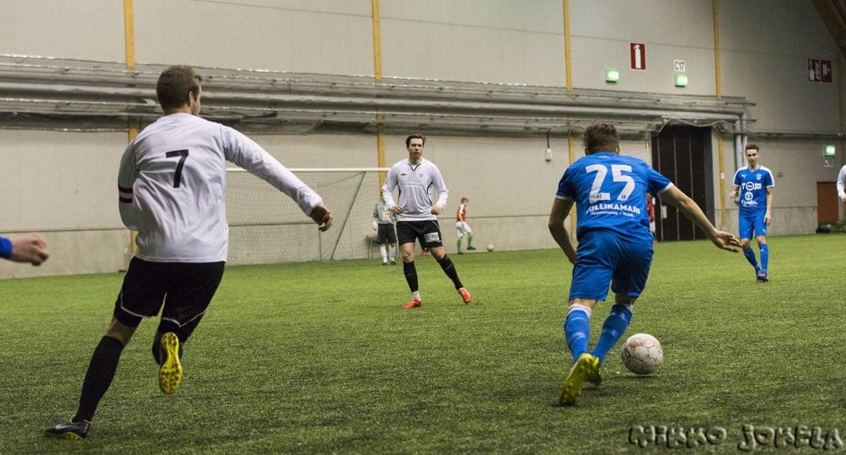 Jan Riikonen päästettiin irti toisella jaksolla.