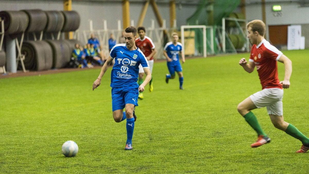 Niclas Kalatsev oli viidellä maalisyötöllään ottelun hahmo.